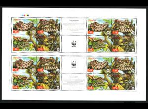 Ukraine: 2002, Leopardnatter (Zdr.-Bogen mit 4 Viererblöcken und Zierfeldern, WWF-Ausgabe)