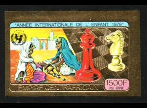 Zentralafrikanische Republik: 1979, Goldausgabe Jahr des Kindes (Motiv Schach, ungezähnt)