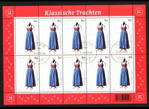 Österreich: 2017, Kleinbogen Klassische Trachten (Grinzinger Alltagstracht)